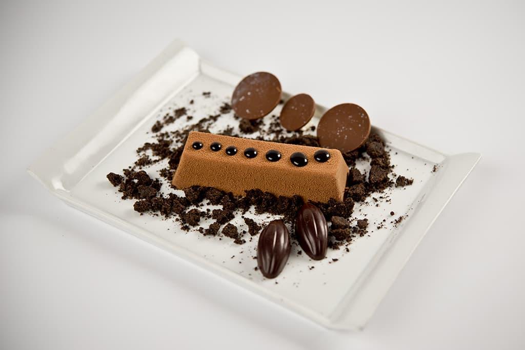 Receta de Pastel de Bizcocho con Ganache y Streusel de cacao