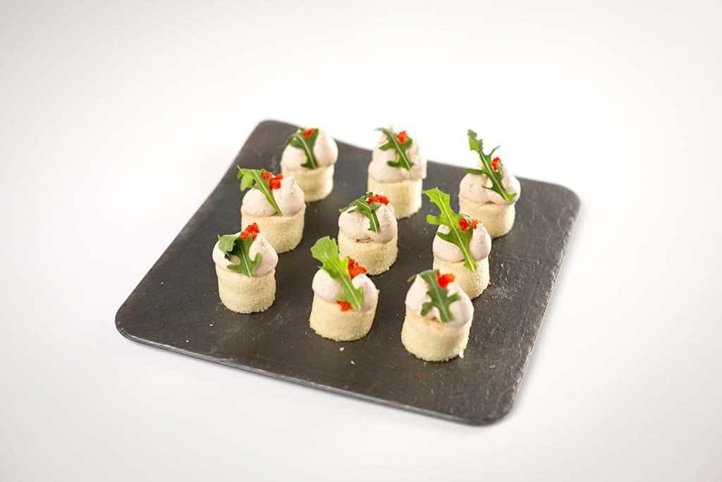 Receta de Canapé de Paté con Bizcocho y sucedáneo de Caviar